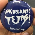 Pa'Delante Tejas, button